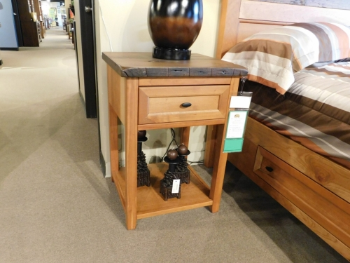 Farmhouse Heritage 1-Drawer Nightstand with Shelf
