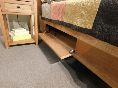 Farmhouse Heritage Bed with Storage Drawer Unit