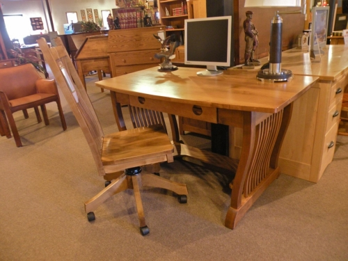 Crystal Valley - Royal Mission Writing Desk