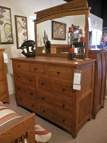 Barrs Mills Mule Dresser with Mirror