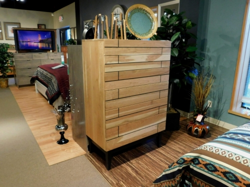 Millstone Heights Chest of Drawers