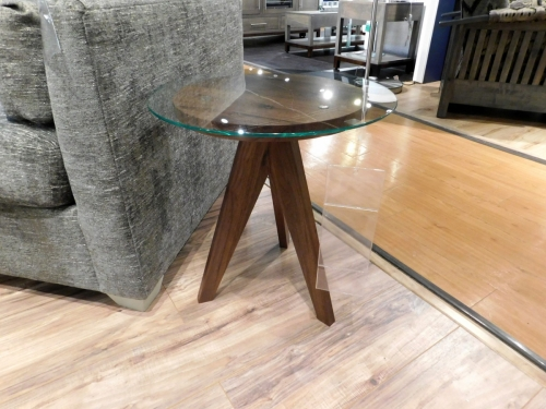 """West Bend 16"""" Round End Table"""