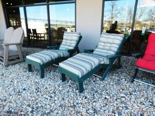 Folding Lounge Chair with Cushions